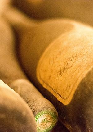 Humedad controlada para mantener el vino